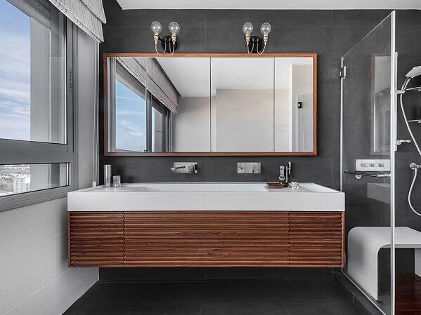 ארון אמבטיה חזיתות סרגלים מעץ גושני