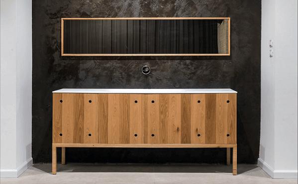 ארון אמבטיה עומד מעץ