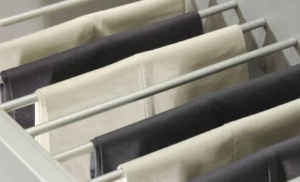 מתלה פנימי לבגדים בארון