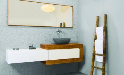 כיור כחול עוצב לחדר אמבטיה