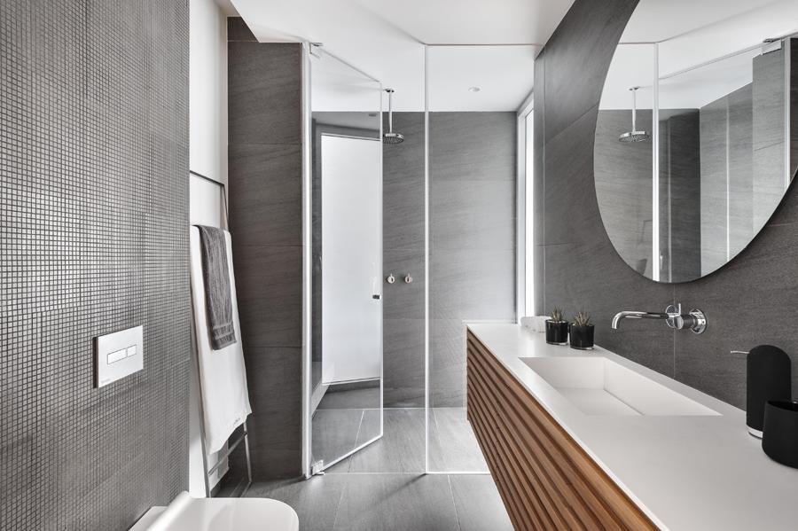 ארון אמבטיה עשוי לייסטים